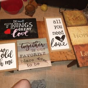Six wall decor plaques